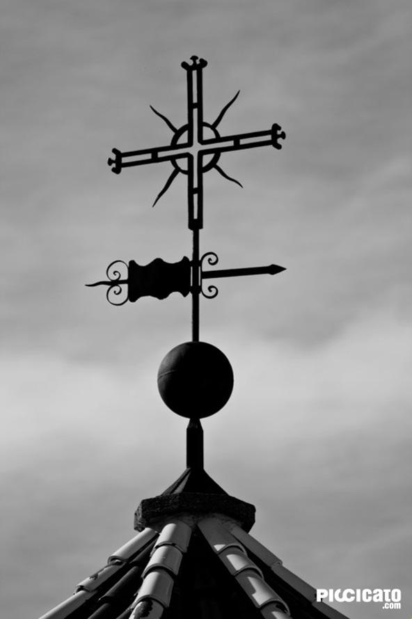Cruz iglesia de Cuenca