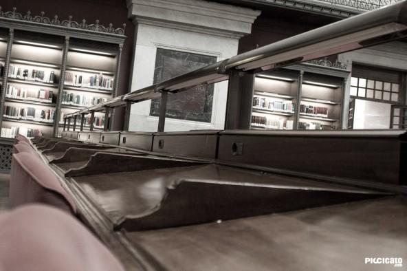Escritorios de la Biblioteca Nacional en Madrid.
