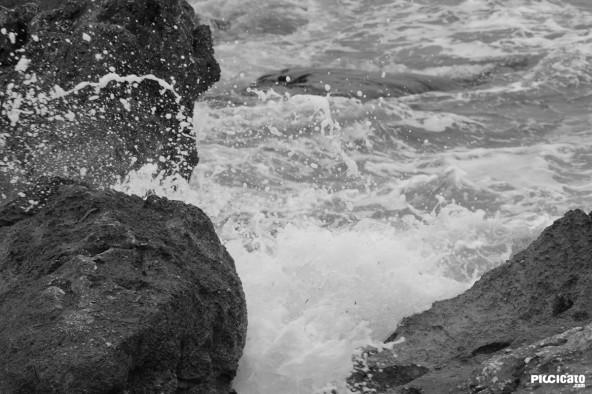 Rocas en la Cala de Finestrat